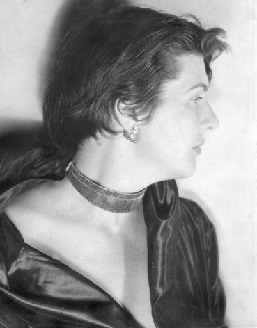 Jewels by Alejandro Otero modeled by his wife, Mercedes Pardo, 1951. Photo courtesy of the Otero Pardo Foundation Archives