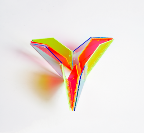 Marta Chilindrón, 9 Trapezoids, 2014.Acrylic and hinges. Diameter: 27 in. (variable dimensions)