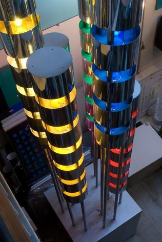 Gregorio Vardanega, Couleurs Sonores, 1963-1979. Metal, light bulbs, electric motor, 180 1/3 in. x 36 5/8 in. x 36 5/8 in.