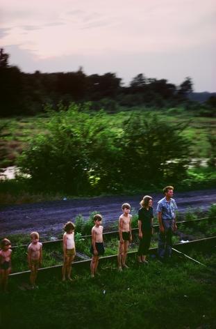 Paul Fusco, Family in Descending Order from the RFK Funeral Series, 1968