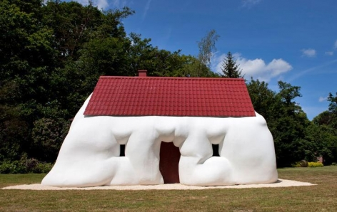 Erwin Wurm, Fat House, 2003