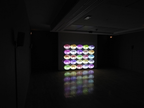 TONY OURSLER: Dispositifs