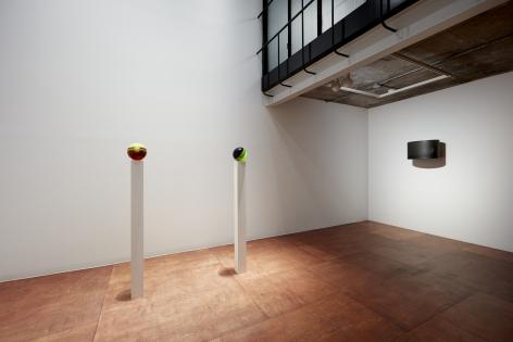 Helen Pashgian Installation view 1