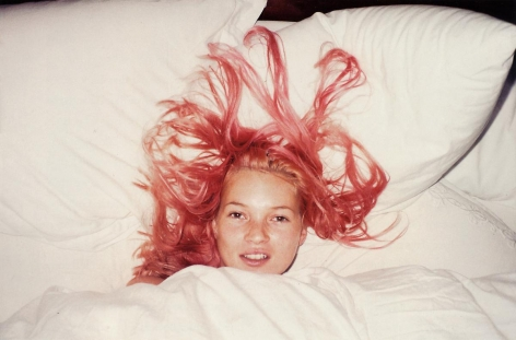 于爾根·ç‰¹å‹' Young Pink Kate, London, 1998
