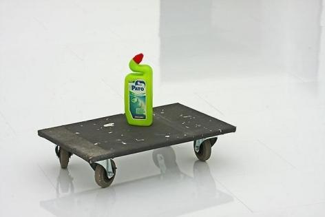 Erwin Wurm: Liquid Reality, Installation view Kunstmuseum Bonn, 2010