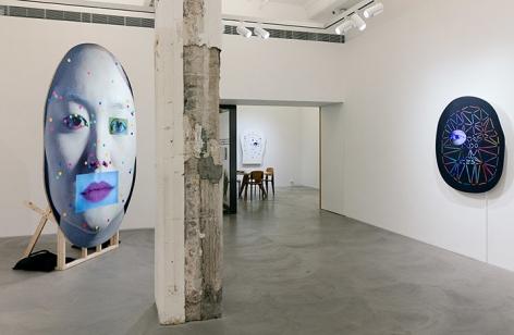 Tony Oursler, PriV%te Installation view 2