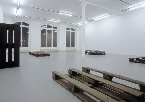 Helen Mirra: Käuzchensteig – installation view 1