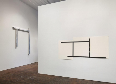 Pedro Cabrita Reis: The Field – installation view 2