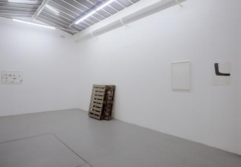 Helen Mirra: Käuzchensteig– installation view 5