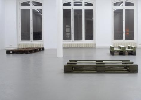 Helen Mirra: Käuzchensteig– installation view 2