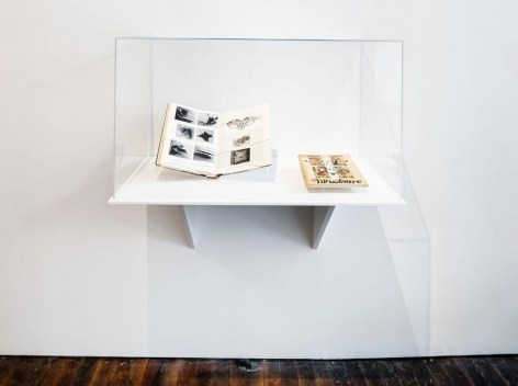 Summer Reading, curated by Richard Wentworth – installation view 2