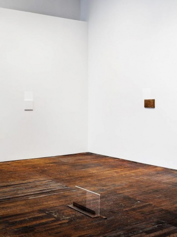 Summer Reading,curated by Richard Wentworth– installation view 14