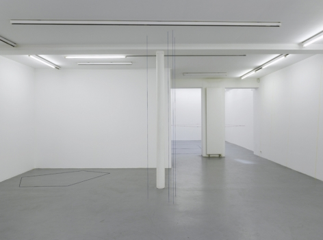 Fred Sandback – installation view 1