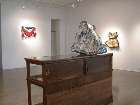 Claes Oldenburg: Works from the Store, 1961 – installation view 2