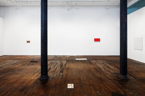 Summer Reading, curated by Richard Wentworth – installation view 6