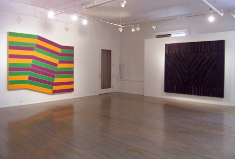 Frank Stella: Paintings 1958 - 1965 – installation view 2