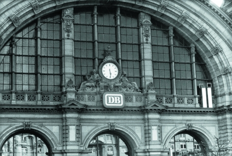 Viekantrohre (Square Stubes), Series D, at Central Station, Frankfurt am Main