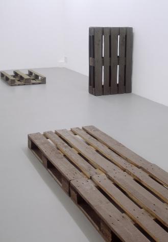 Helen Mirra: Käuzchensteig– installation view 4