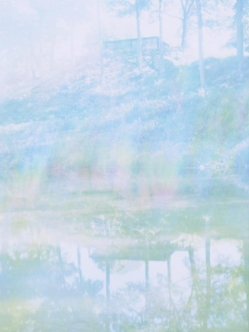 James Welling, Vertical Lake (Glass House)
