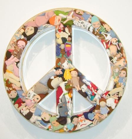 peace sign made of small dolls by yoshimoto nara