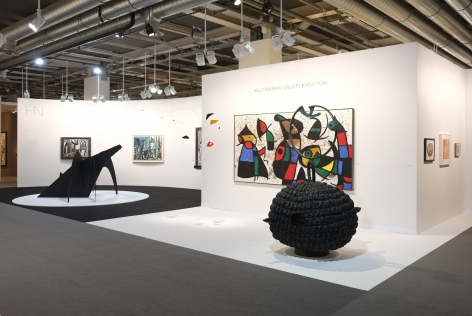 Installation view of Art Basel | Basel 2018, booth H5. © 2018 Calder Foundation, New York / Artist Right Society (ARS), New York.