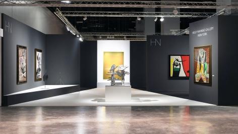 Installation view ofArt Basel | Miami Beach 2018, booth A4. Photography byStudio MDA., © 2018 Calder Foundation, New York / Artist Right Society (ARS), New York.©Helly Nahmad Gallery NY.