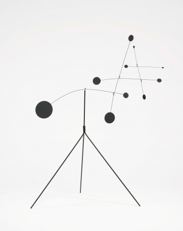 Alexander Calder, TIC TAC TOE, 1941, Sculpture: Painted sheet metal and wire standing mobile
