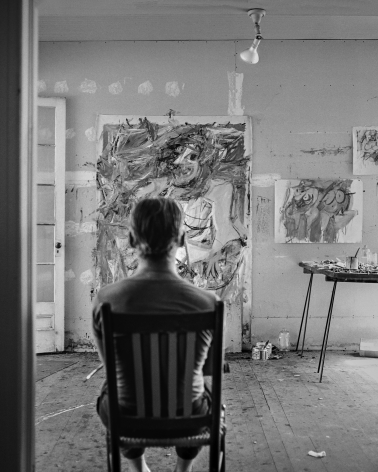 Tony Vaccaro, Willem de Kooning in his studio at Castelli's, Georgica, East Hampton, 1953