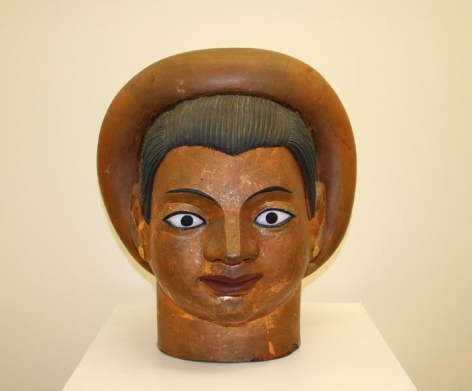 Ravinder Reddy HEAD 3 1996 Pigment and gold leaf on terracotta 25 x 16 x 16 in.