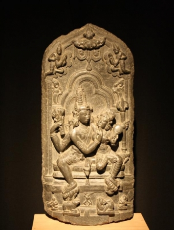 Uma Mahesvara Pala Green chlorite c. 10th Century 24.25 in.