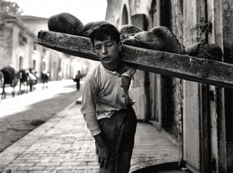 Nino Migliori,Portatore di Pane,1956