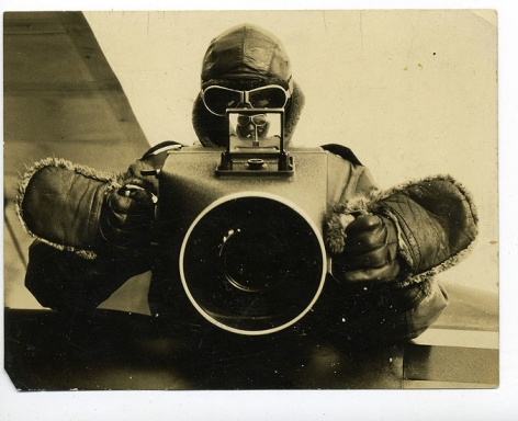 Cameraman, 1920s. 4 6/16 x 3 5/16 in.