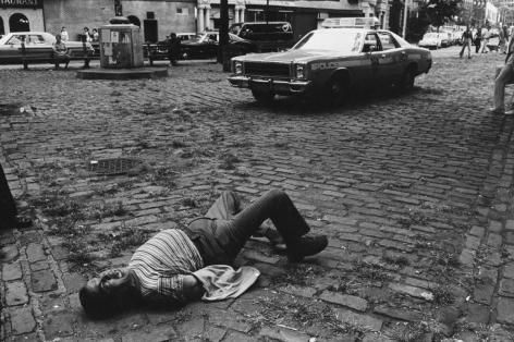 Jill Freedman, A Man Went Crazy