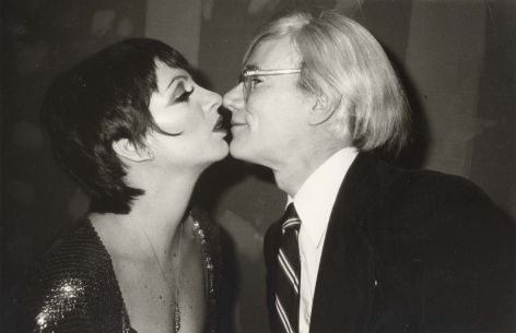 Christopher Makos, Liza Kissing Andy