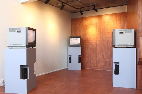 View of exhibition, Bartleby Bickle & Meursault.Courtesy of the artist & PKM Gallery.