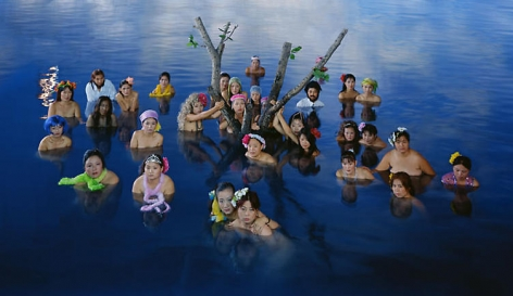 Wang Qingsong. Flooding, 2003. C-print, 120 x 210 cm.Courtesy of the artist & PKM Gallery.