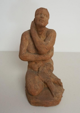 Kwon Jinkyu. Seated Woman, 1967. Terracotta, 20.5 x 21.5 x 34 cm. Courtesy of the artist and PKM Gallery.