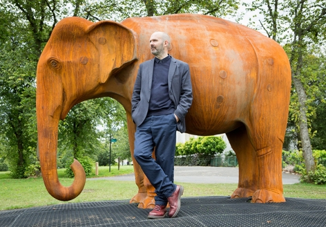 KENNY HUNTER Elephant for Glasgow sculpture