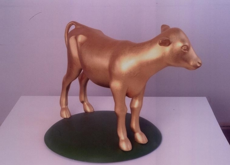 KENNY HUNTER Golden Calf 2002, glass reinforced plastic, gold leaf and wood.