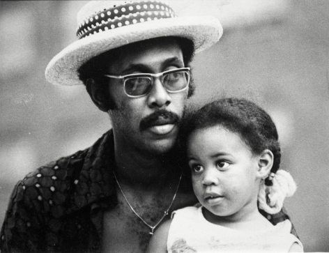 Herb Robinson - Arnold and Daughter Kelly, 1974 | Bruce Silverstein Gallery