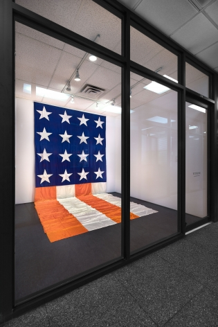 James Lee Byars, The American Flag, New York, 2017, Installation Image 4
