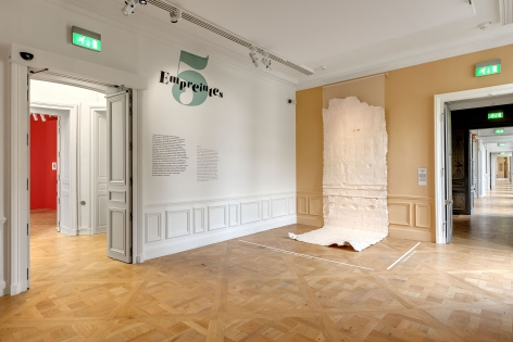 Nazgol Ansarinia, Membrane (unbleached silk), 2016, Paper, paint and glue, 550 × 166 cm