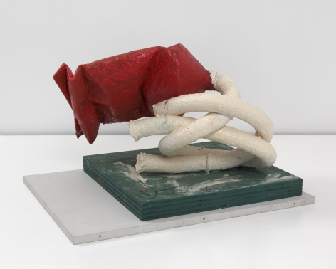 Claes Oldenburg, Tube Supported by its Contents, 1981