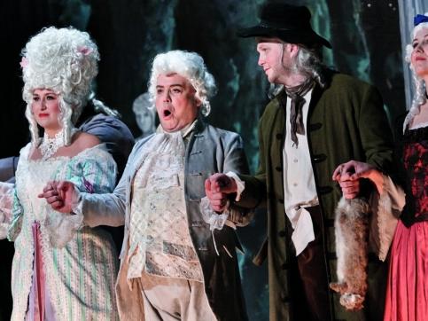4 opera performers singing