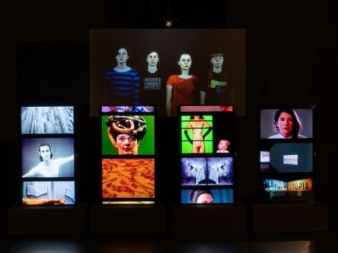 Atlas video installation