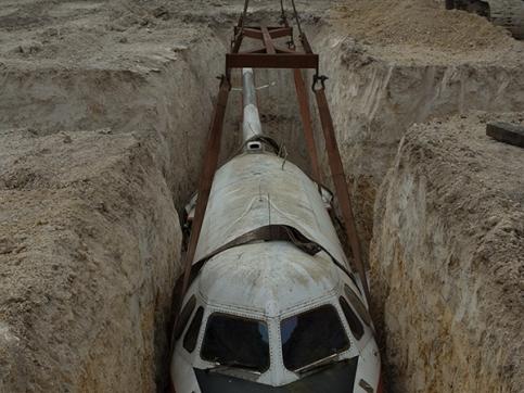 Hiorns buried airplane