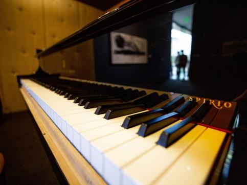 close up of a piano keyboard