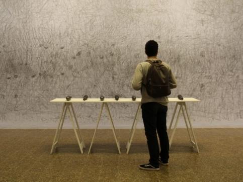 Carlos Amorales participates in Museo de la Tertulia in Cali with her exhibition Herramientas de Trabajo
