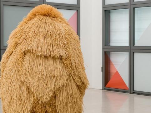 Haegue Yang participa en Hamburger Kunsthalle en Hamburgo con su exposición In Again and Against