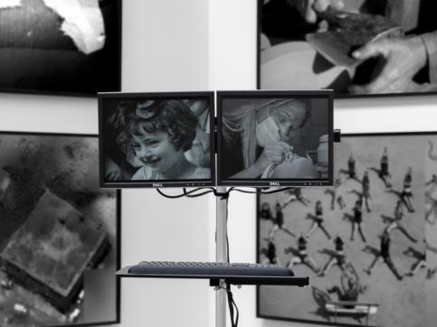 daniela rossell y galen jackson – la computadora de la conexión